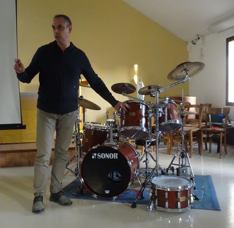 Jean-Pierre Simard présentant sa belle Sonor