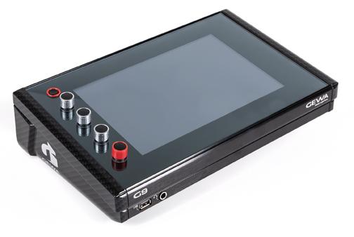 Le module G9 est un concentré d'innovations avec son large écran tactile de 10 pouces. L'objet est beau, on aura donc plaisir à l'allumer et le manipuler à chaque séance de travail, mais il offre surtout des possibilités quasi-illimitées d'édition et des connexions multiples.